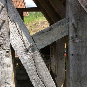 Historisches Eichenfachwerkholz neu verbaut in den Gartenhäusern der Fa Blöcher seit 1988